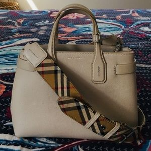 Burberry Baby Banner in Limestone/Vintage Check